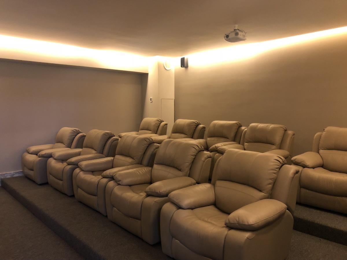 17 de 34: Sala de Cine