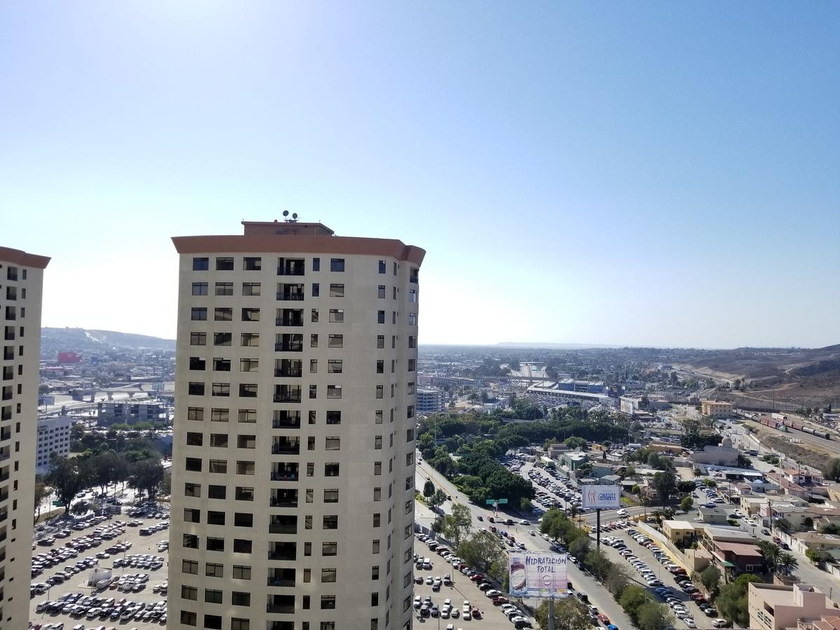 2 de 39: Vista a San Diego desde el balcon de la sala.