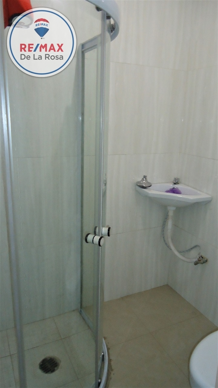 11 de 15: Baño completo en PB