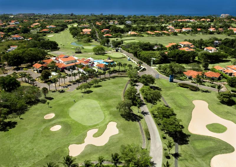 2 de 4: Campo de Golf
