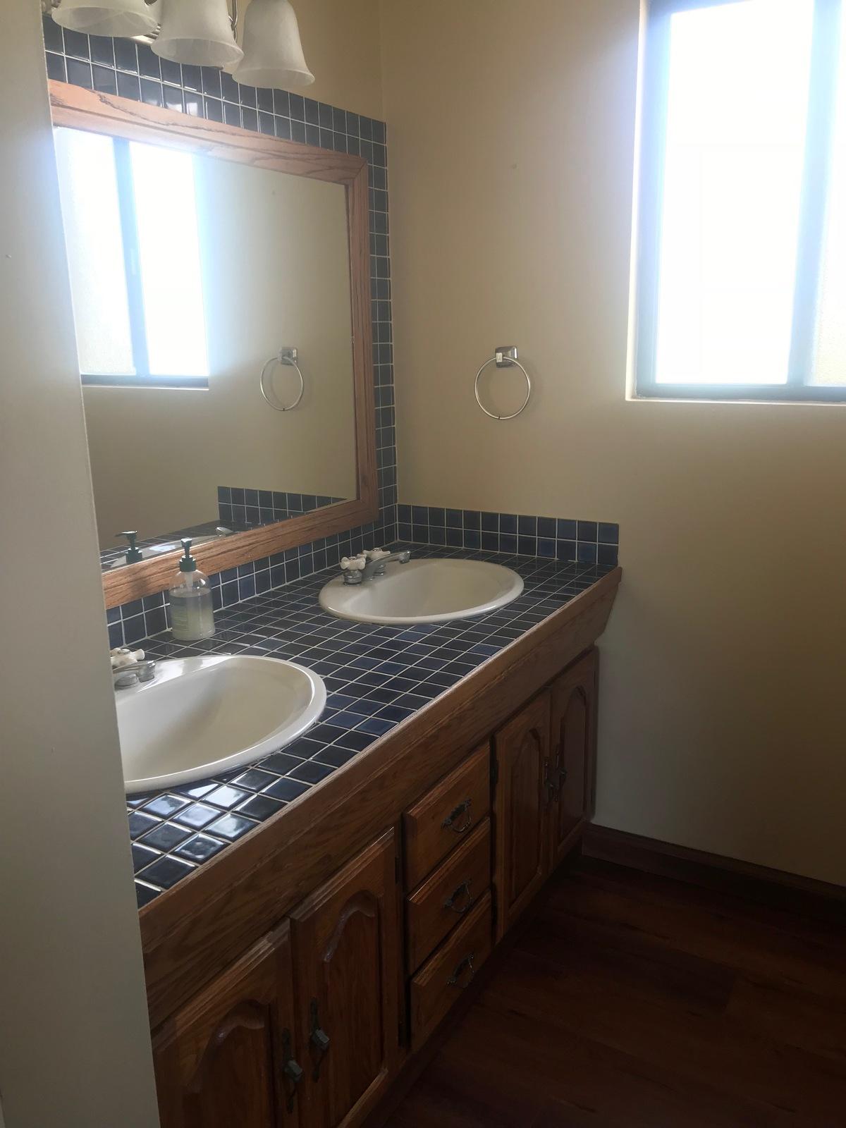 14 de 28: Doble lavabo (recamara principal)