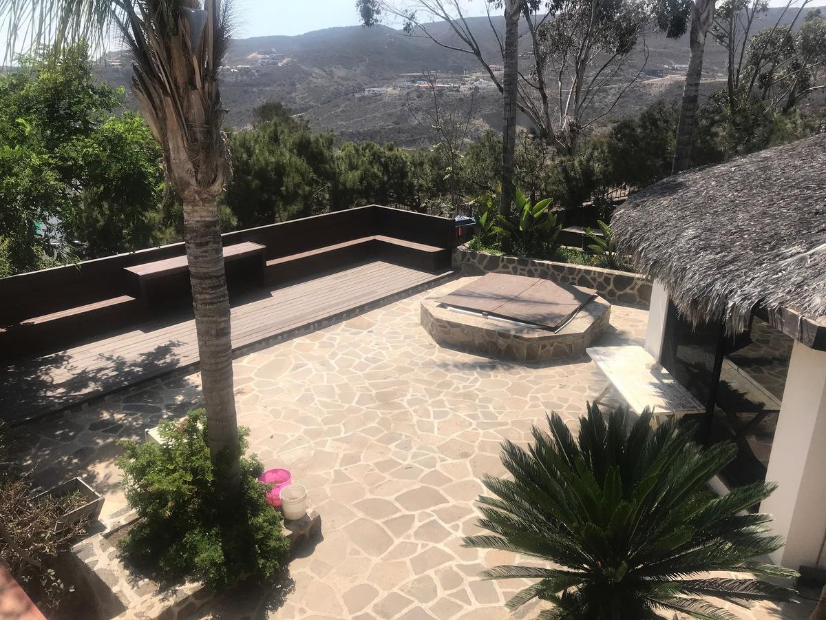 19 de 28: Vista a la terraza con vista al mar