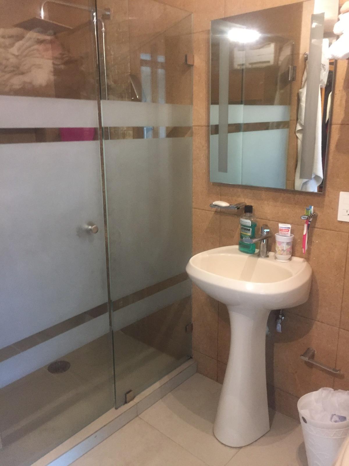 15 de 23: Baño recámara principal