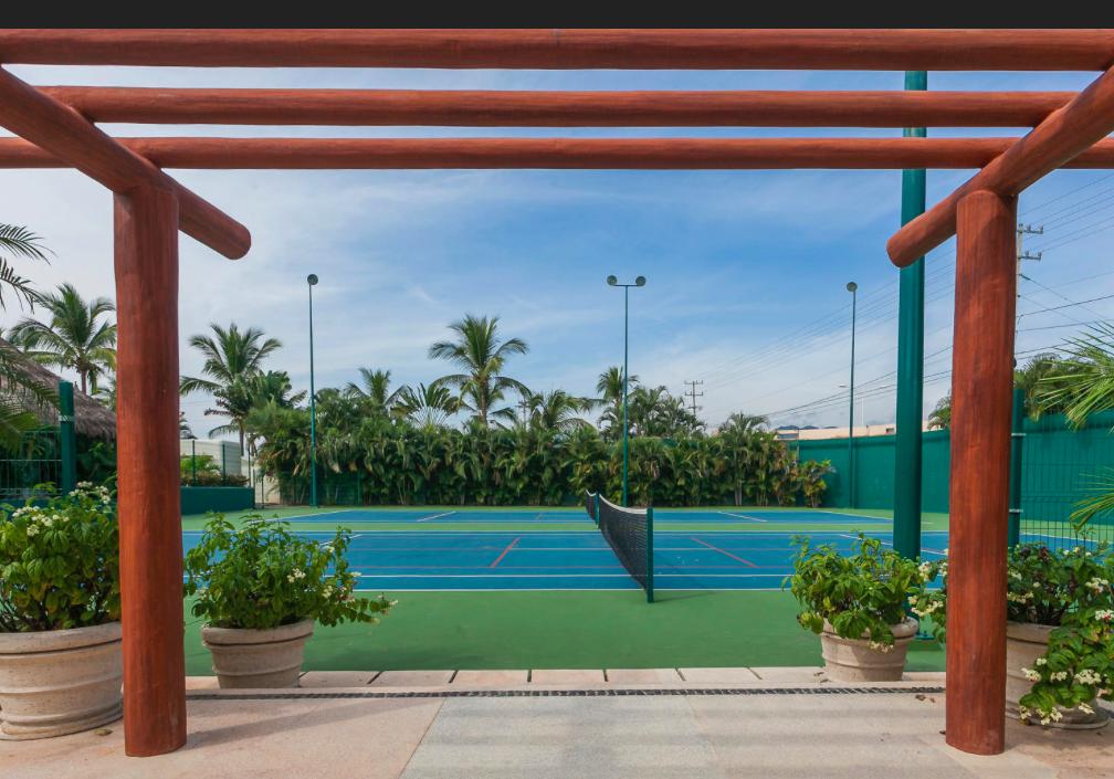 30 de 35: Punta Esmeralda La Cruz de Huanacaxtle tennis courts