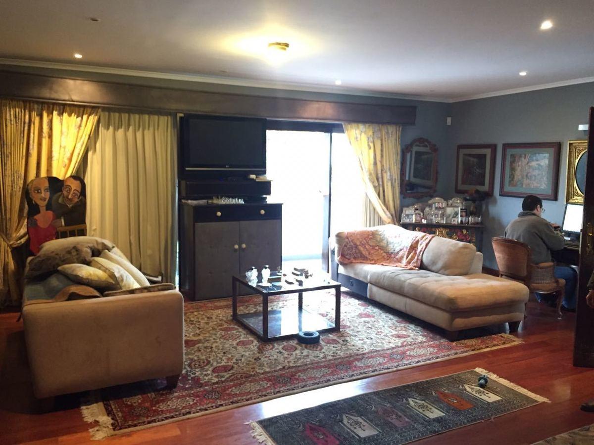 10 de 15: Sala en el dormitorio principal.