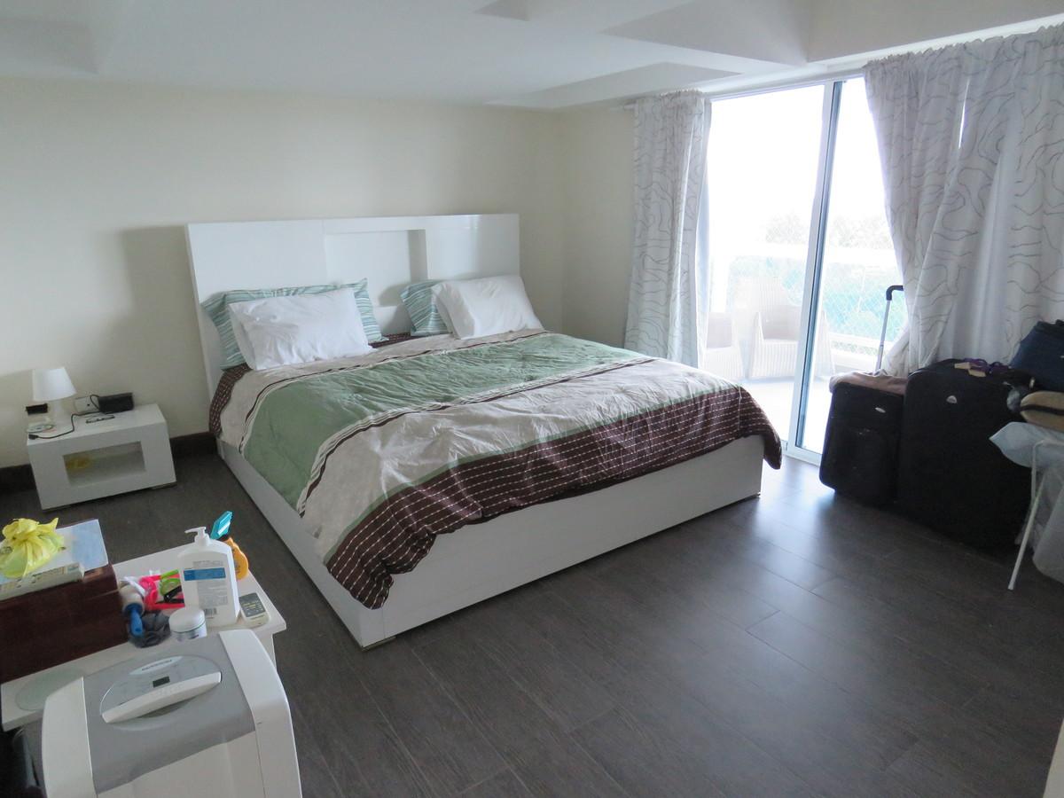14 de 19: Habitación Principal con piso remodelado