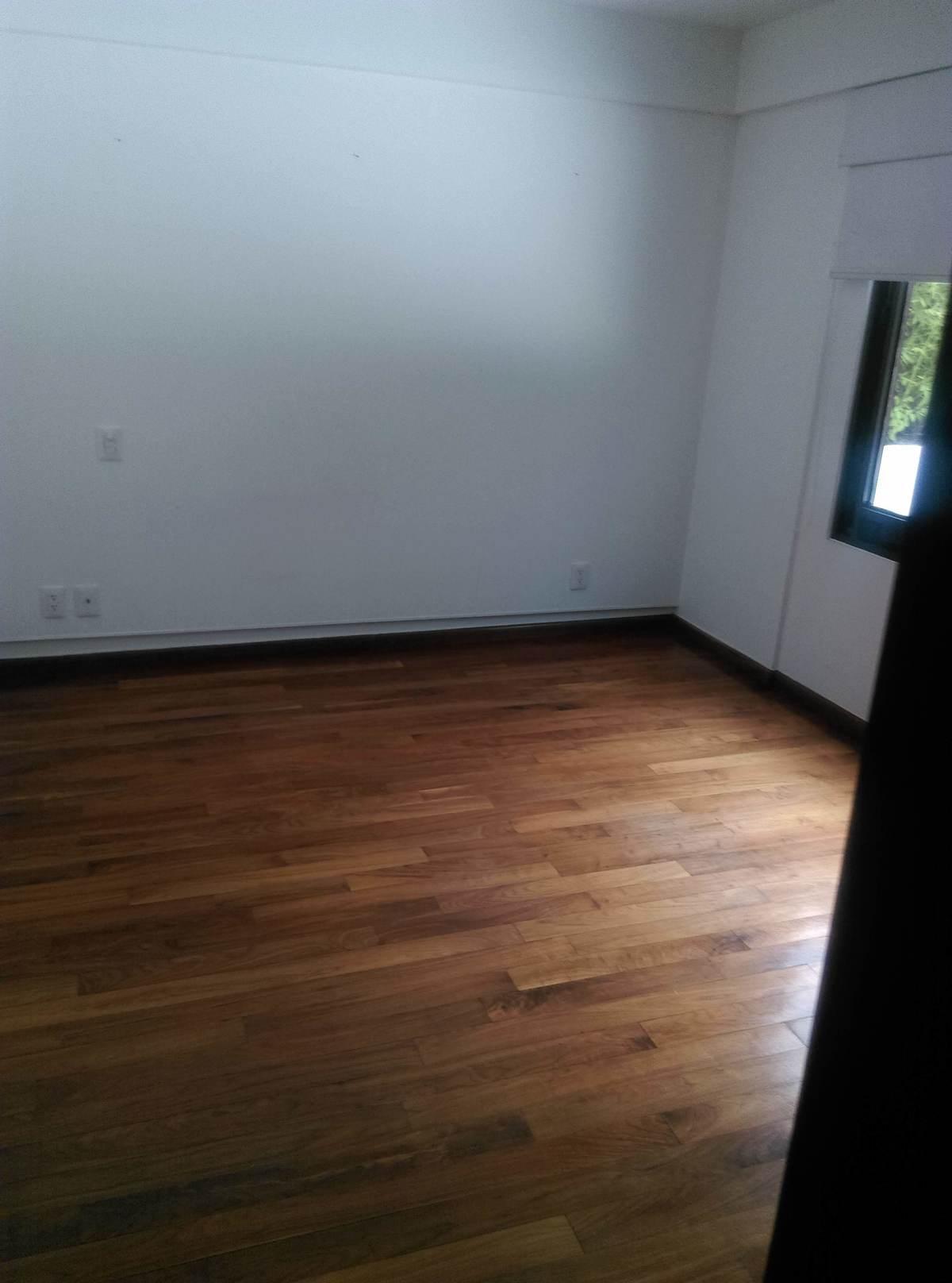 4 de 14: Segunda recamara pisos de madera