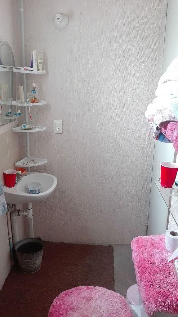 16 de 17: Baño completo (Lavamanos)