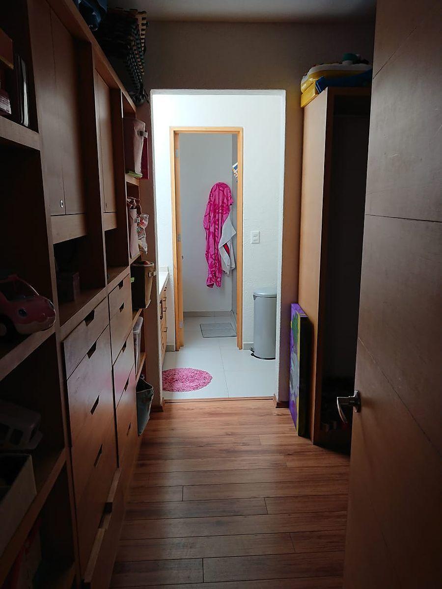 20 de 24: T Recamara 2 closet