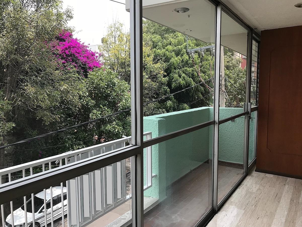 3 de 19: Balcón