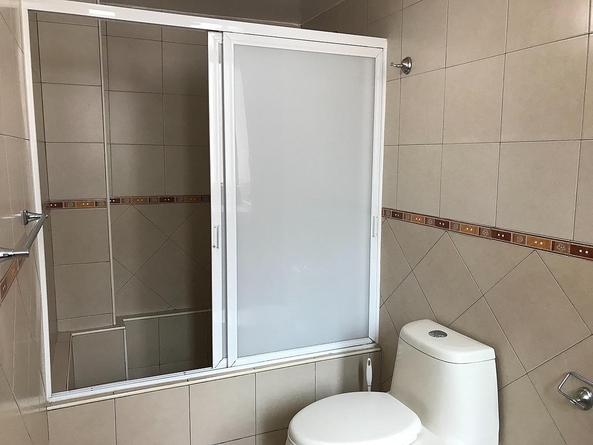 14 de 19: Baño Principal