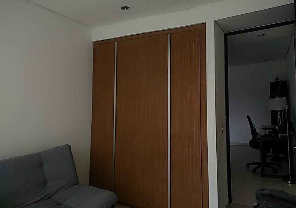 14 de 28: Habitación 2 con closet.