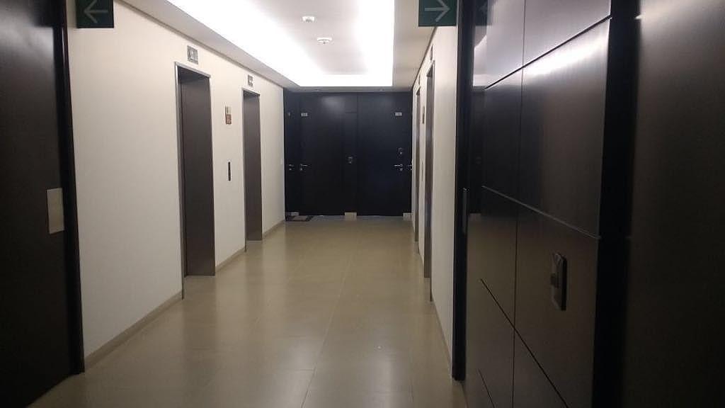 2 de 28: Entrada a Dpto. desde elevador.