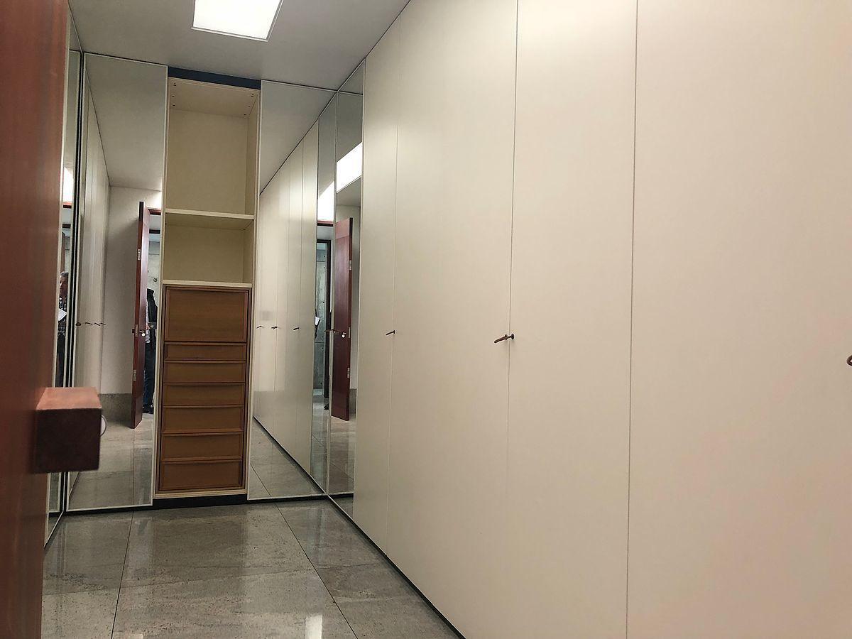 10 de 28: Closets importados