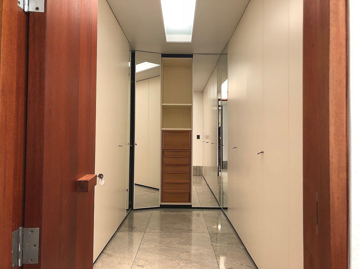 15 de 28: Closets de madras natural