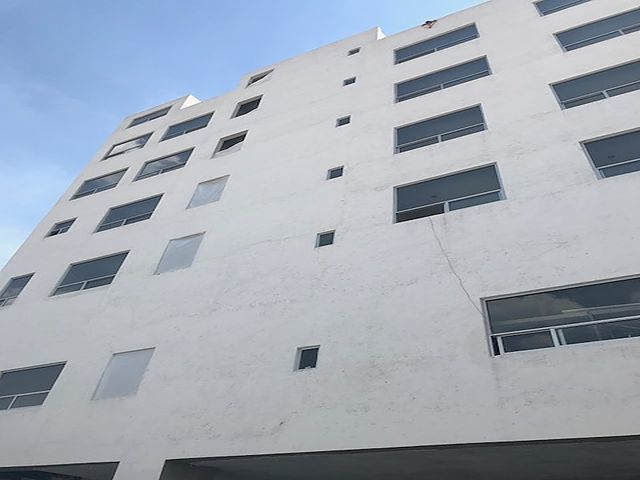 2 de 7: Fachada del complejo en el que se ubica el local comercial