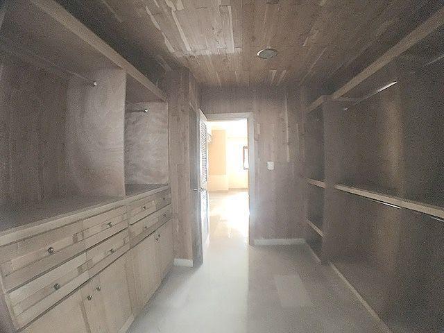 11 de 19: Todos los Walk-in closet preparados