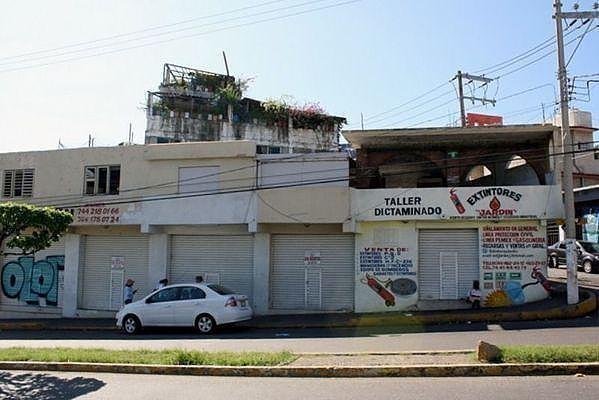 1 de 25: Locales comerciales en Calzada Pie de la Cuesta OPORTUNIDAD