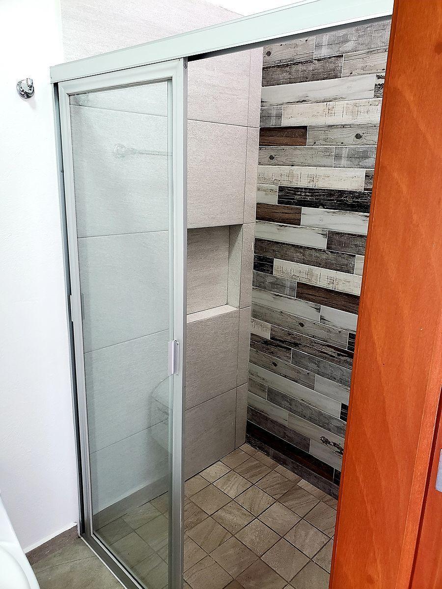 15 de 20: baño compartido