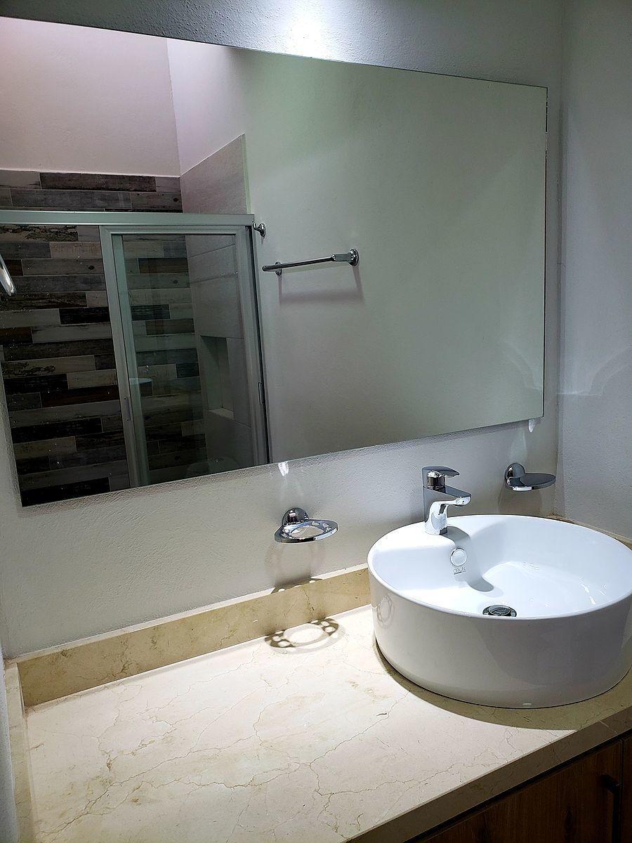 16 de 20: baño compartido