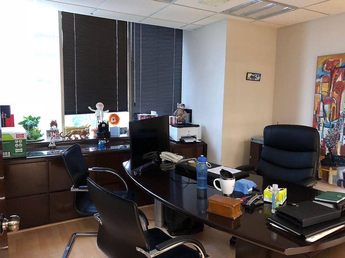 18 de 28: Despacho principal