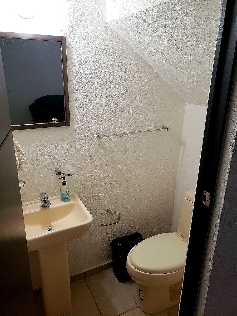 4 de 12: medio baño planta baja