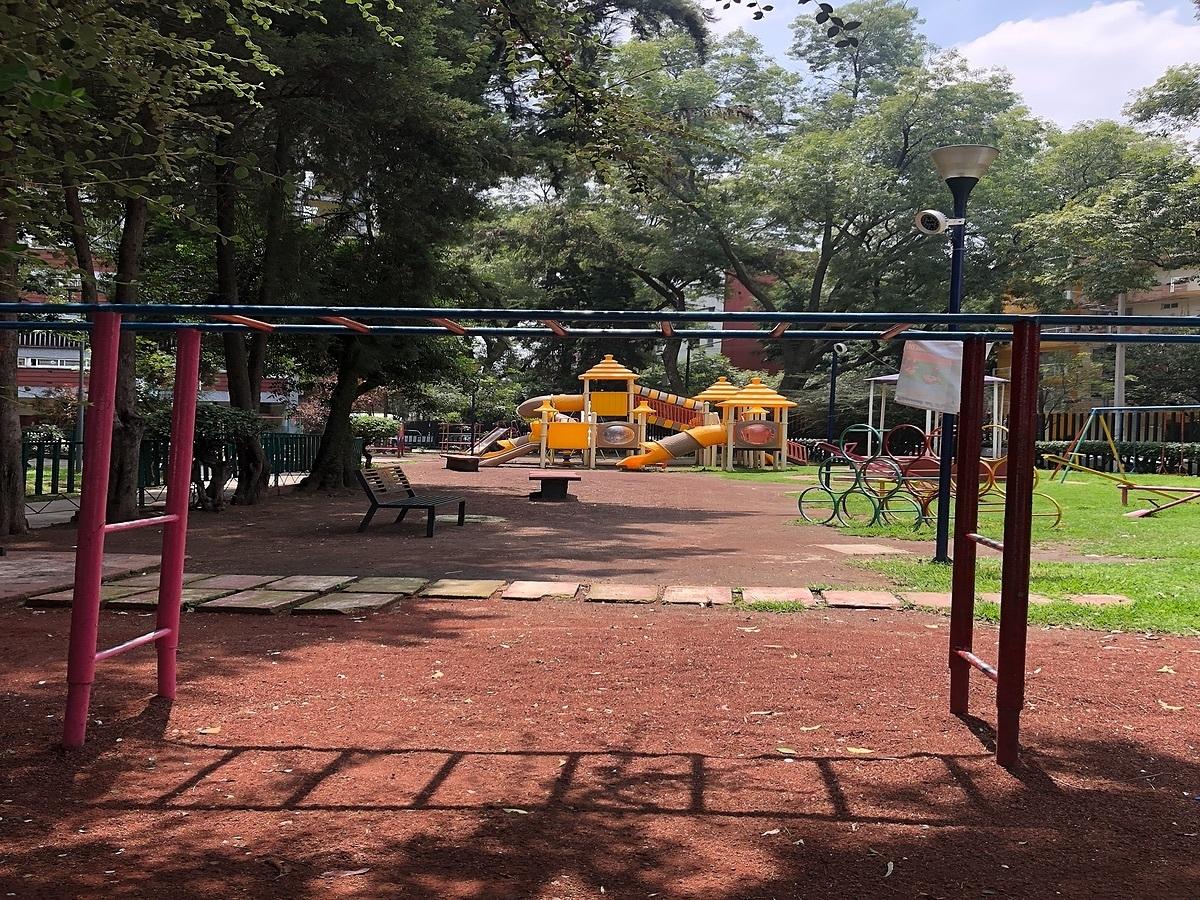 8 de 26: área de juegos infantiles