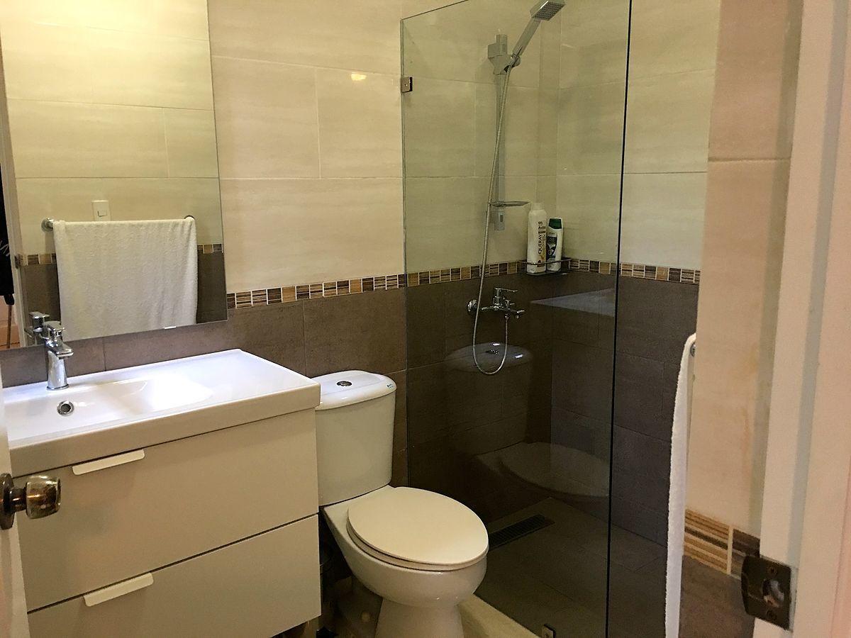 28 de 42: Baño Habitación Secundaria