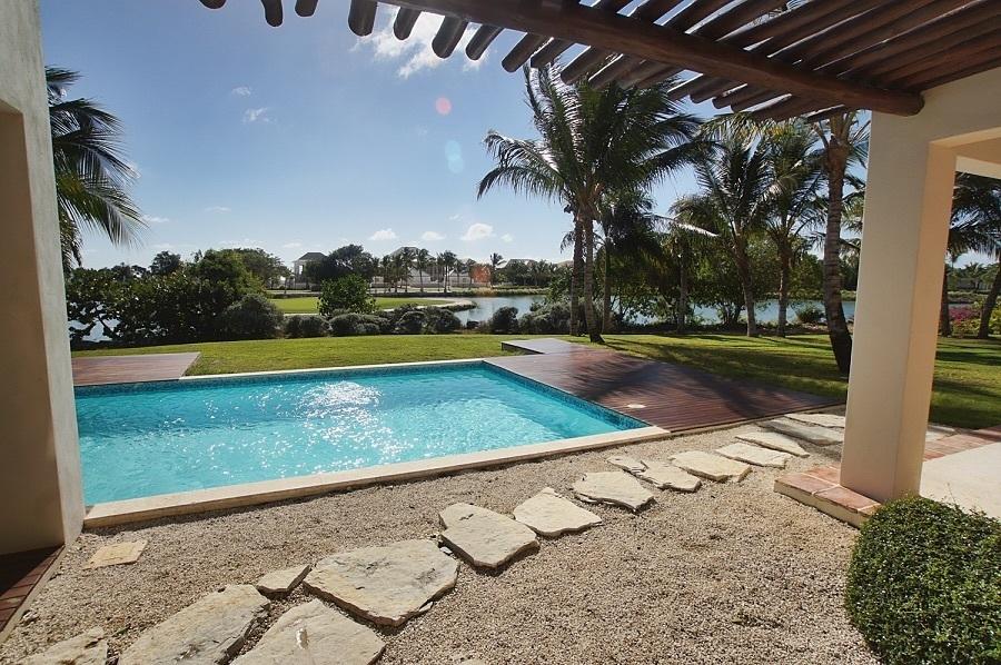 3 de 7: Pool View