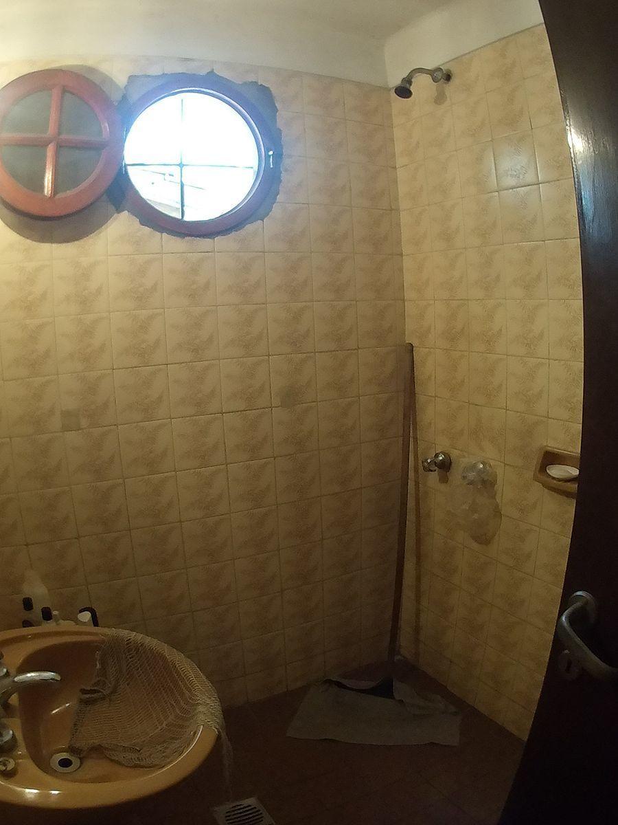 9 de 27: Toilette de visitas.