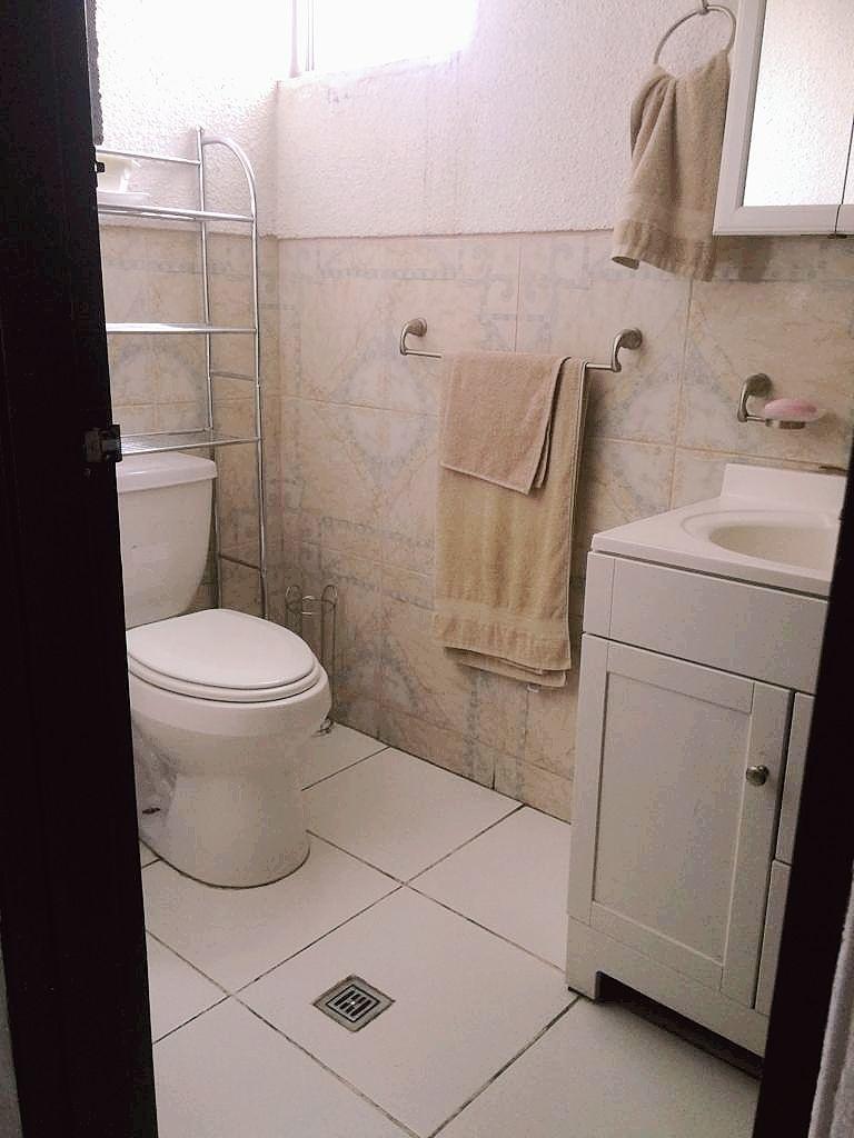 8 de 14: medio baño planta baja