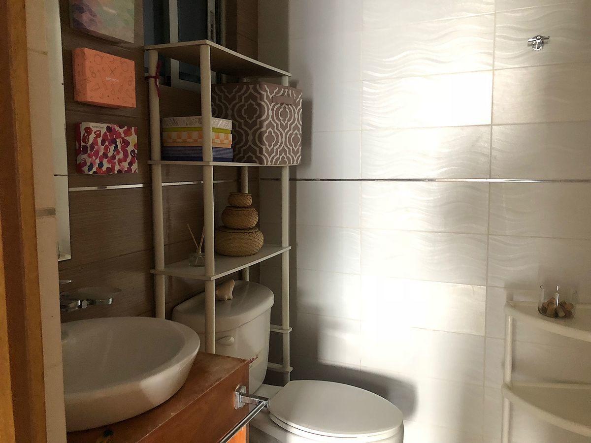 8 de 11: Baño de la habitación principal.