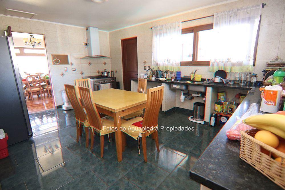 16 de 26: Cocina con acceso a lavadero techado
