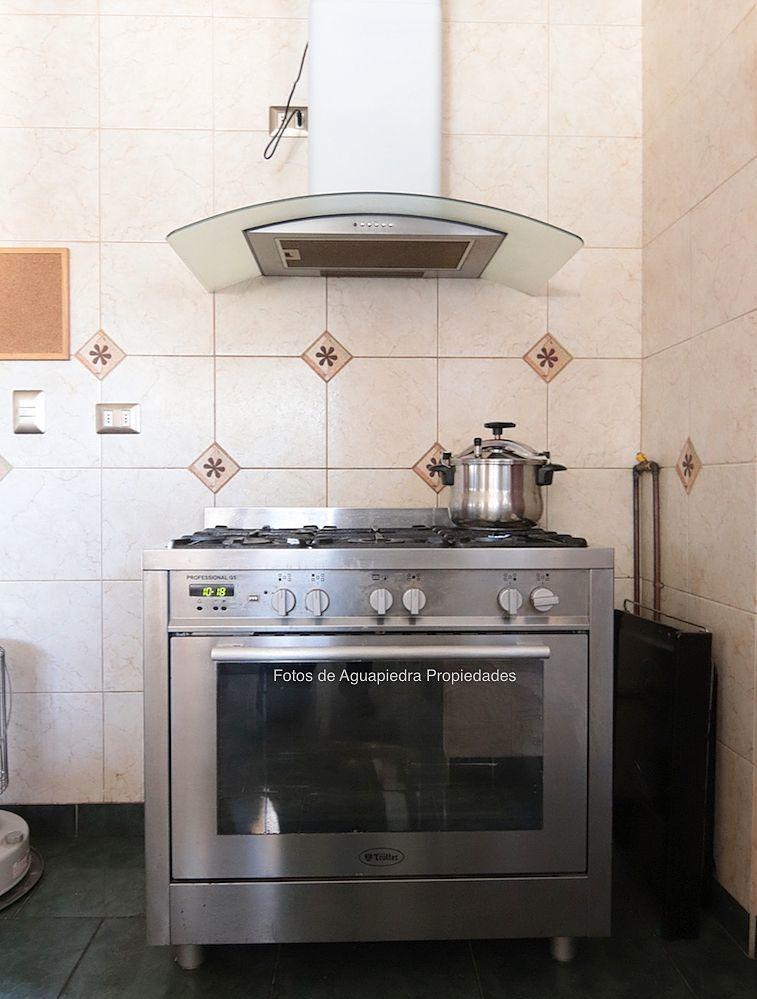 17 de 26: Cocina y Campana (se Queda)