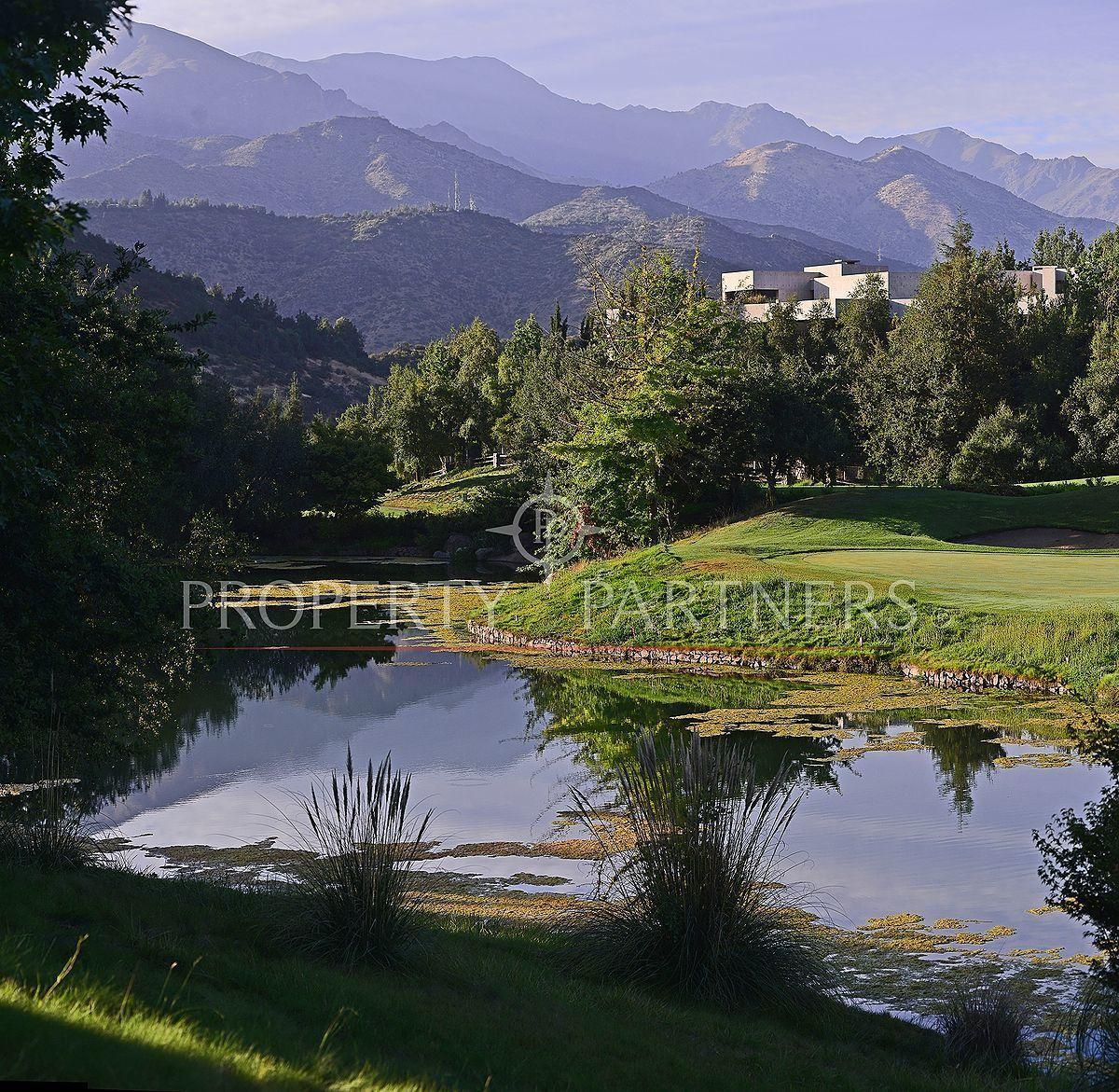 4 de 6: Hermosa laguna artificial