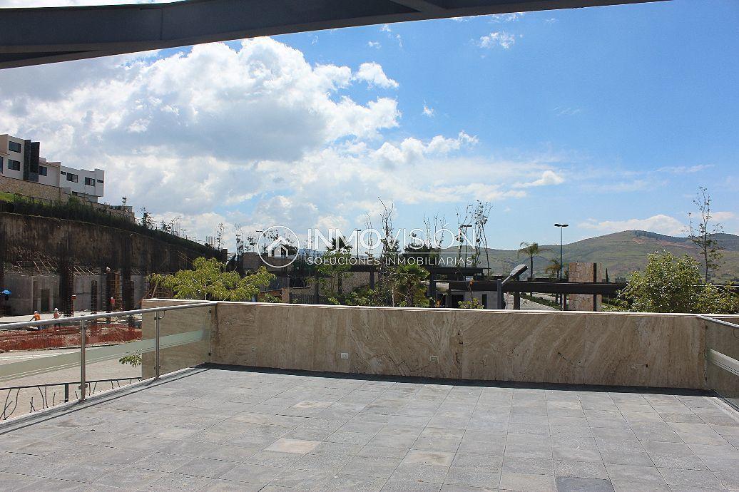 46 de 47: Salon multi-usos con terraza