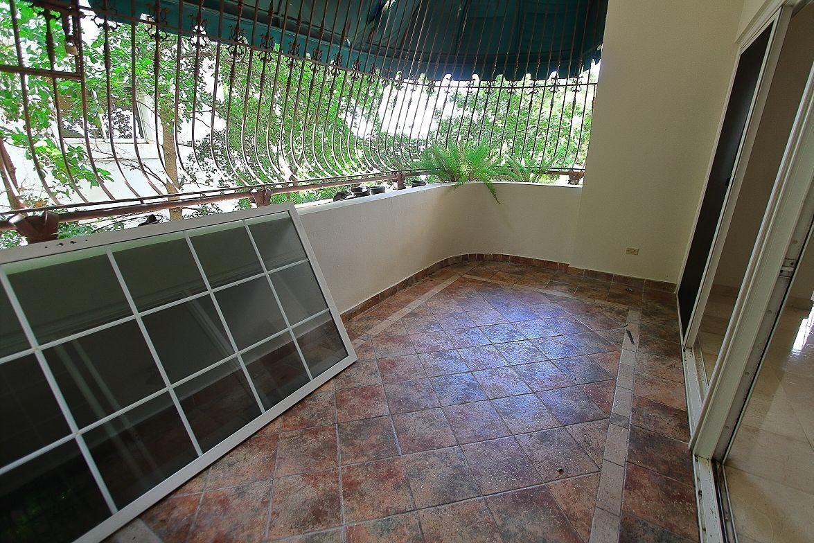 3 de 21: Balcón grande