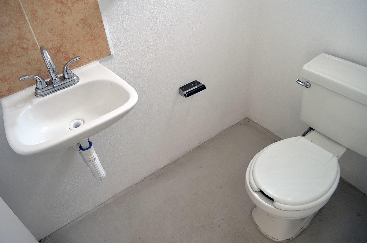 8 de 18: baño de visitas