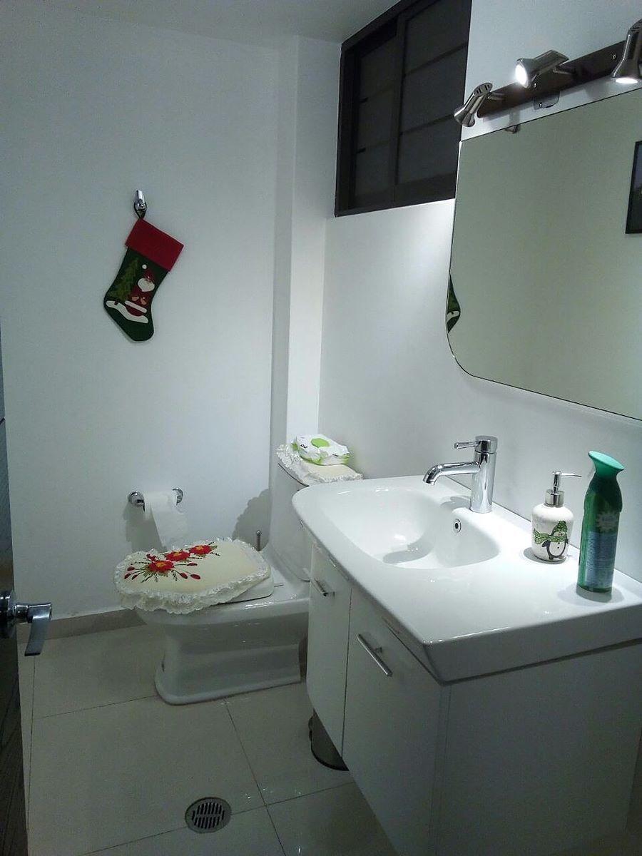 6 de 15: baño de visitas