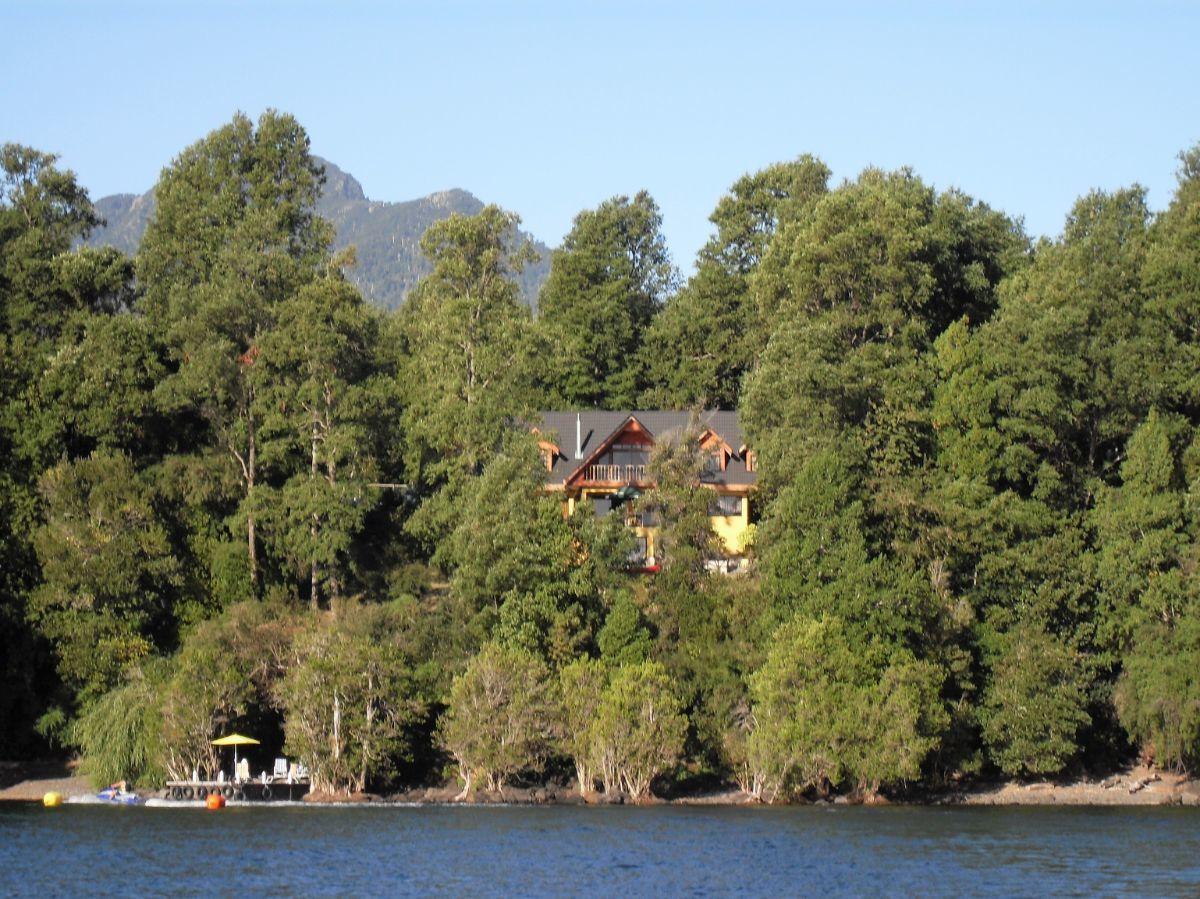 2 de 11: Vista desde el Lago
