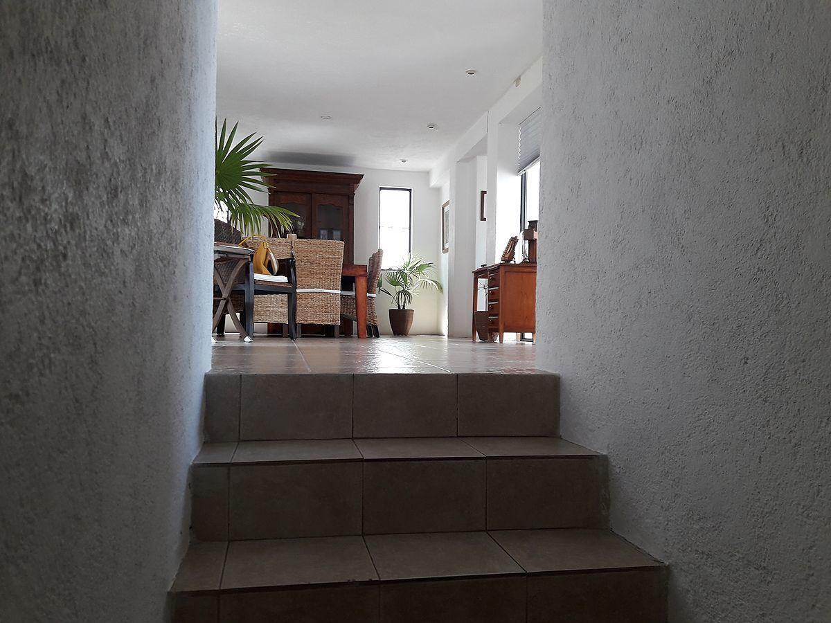 15 de 36: Vista hacia sala