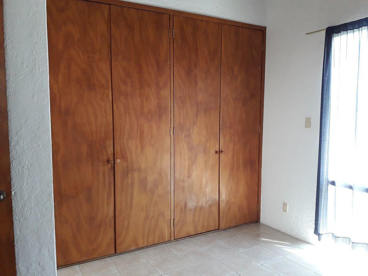19 de 36: Closets de pino