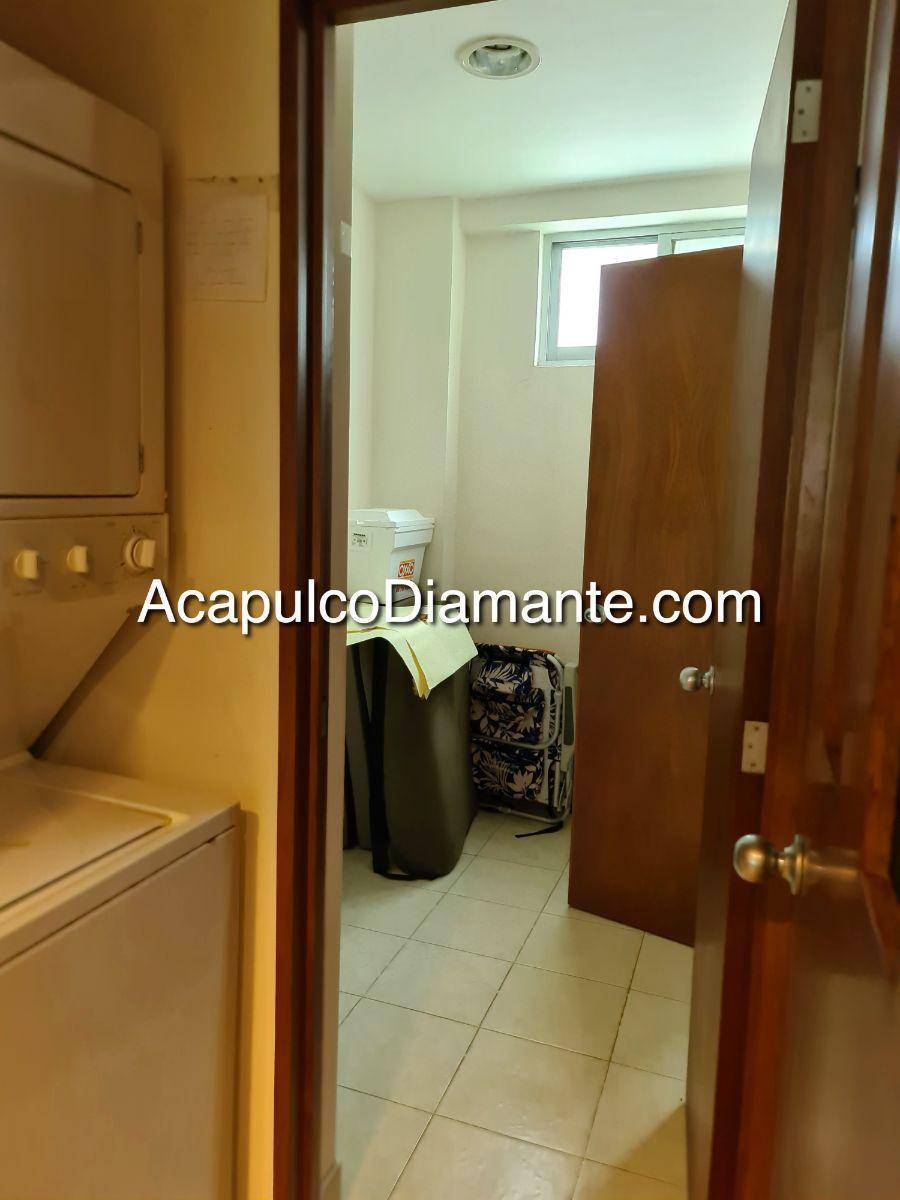 17 de 33: Área de lavado y cto. de servicio c/baño completo.