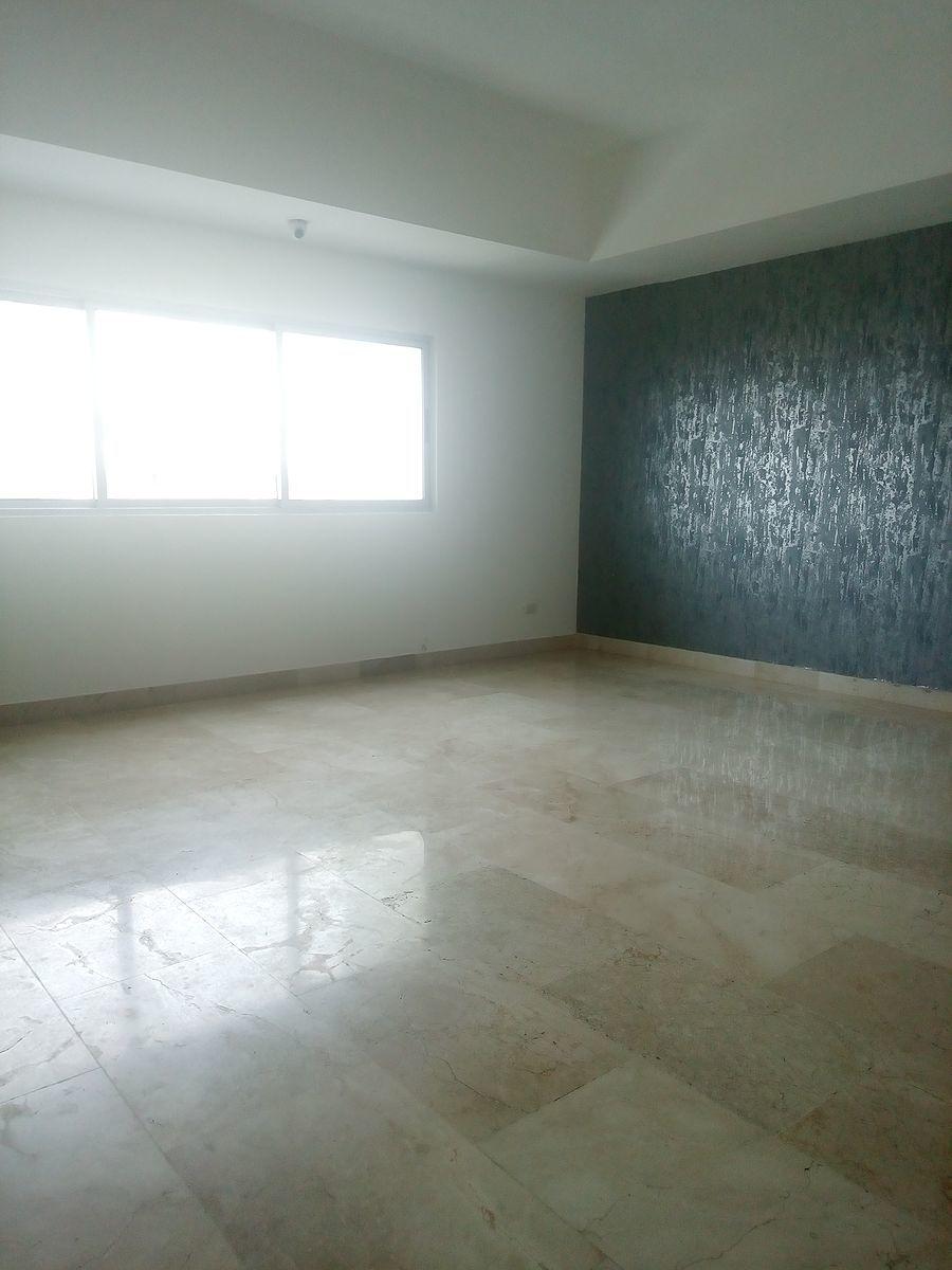 10 de 24: Primer nivel:  habitacion principal