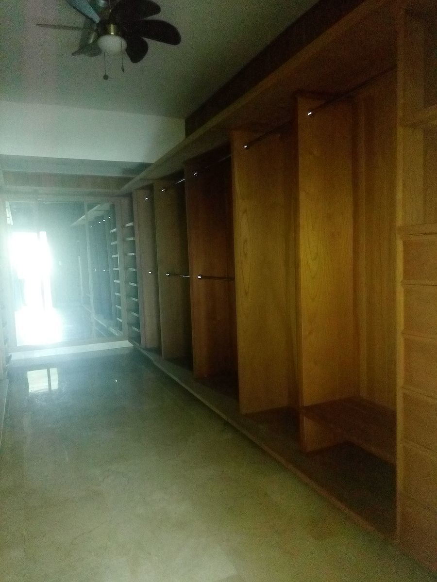 11 de 24: Primer nivel: w/c habitacion principal