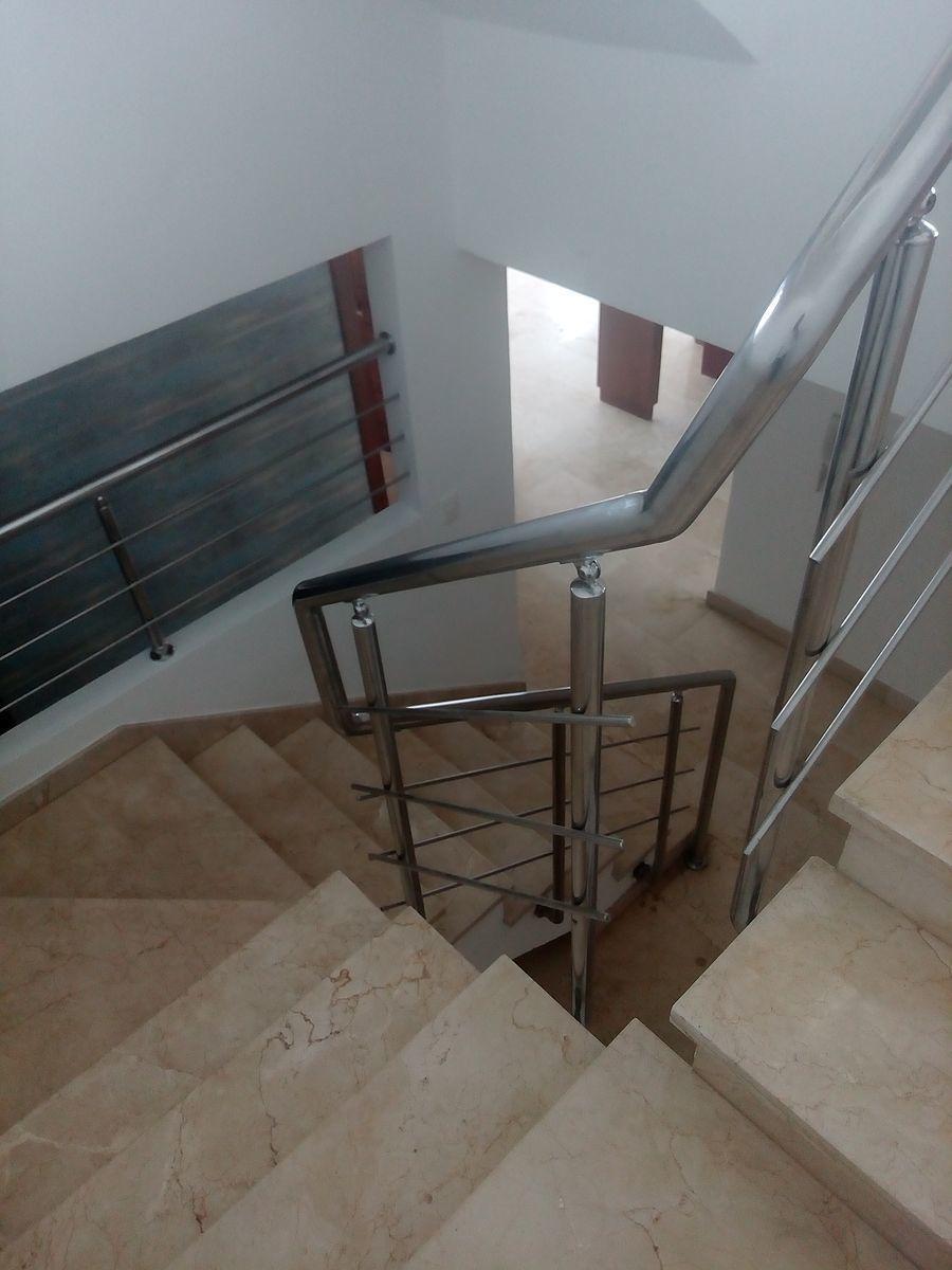 14 de 24: Escaleras