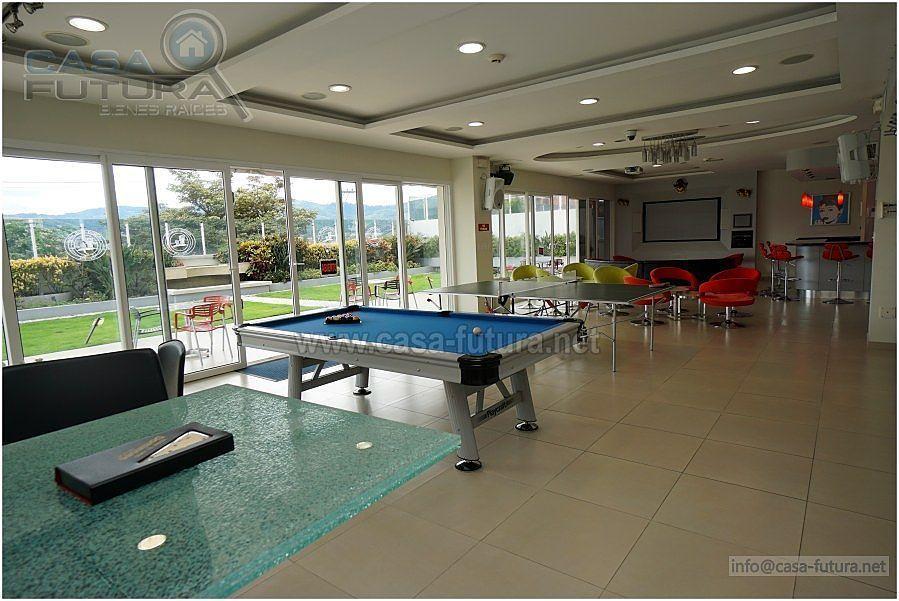 9 de 36: Area social con mesa de tenis, ping pong, bar...
