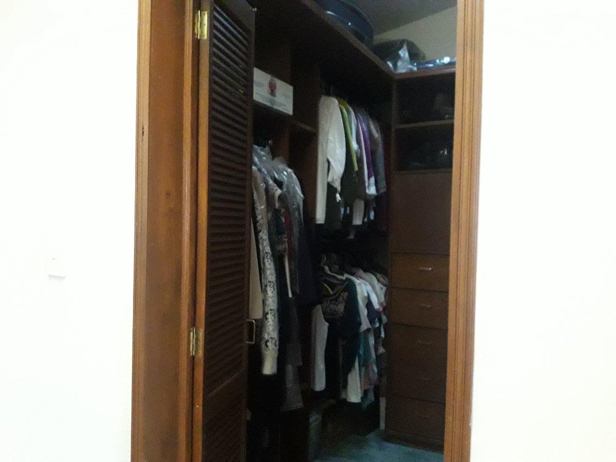 24 de 31: Closet