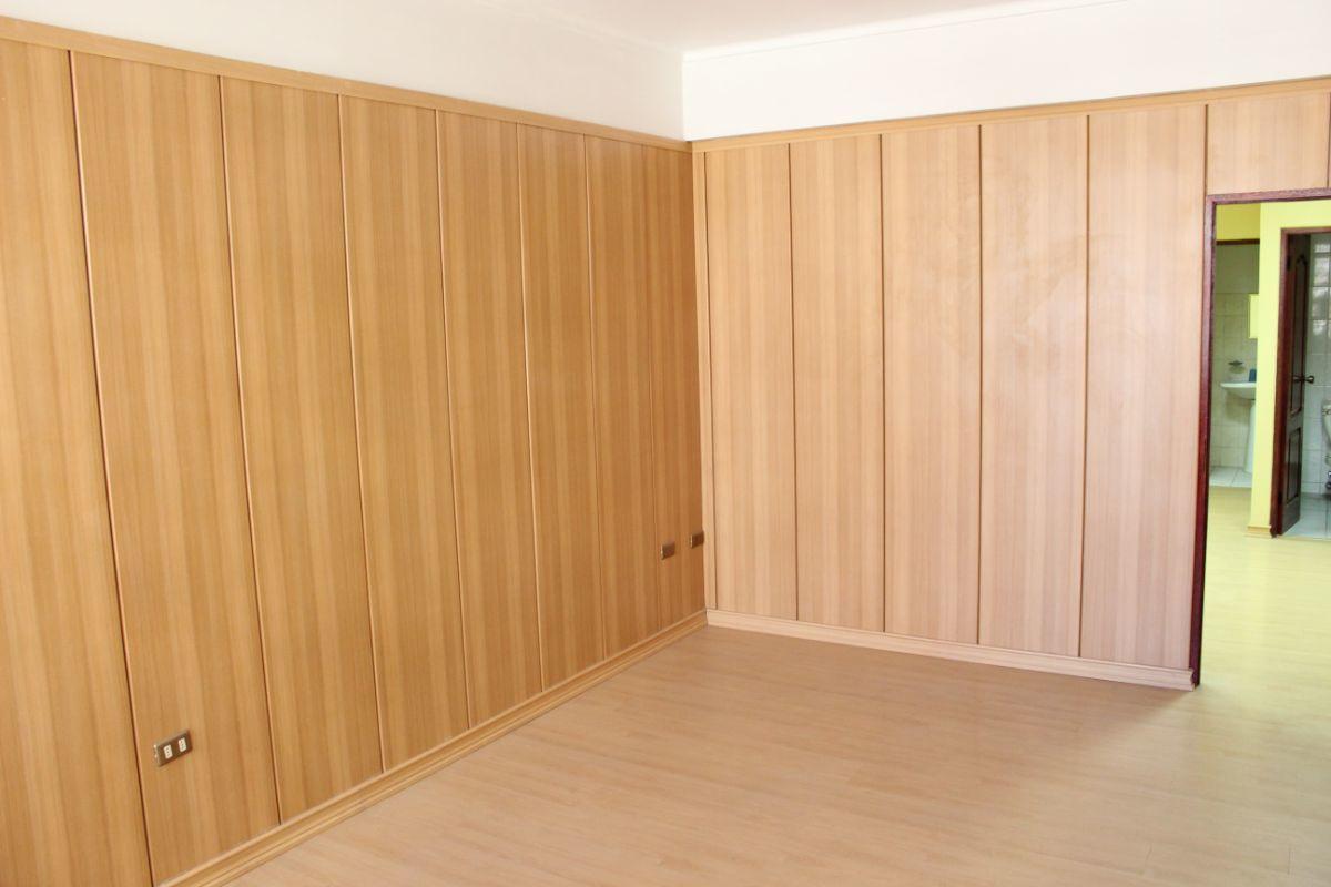 2 de 3: Oficina Interior