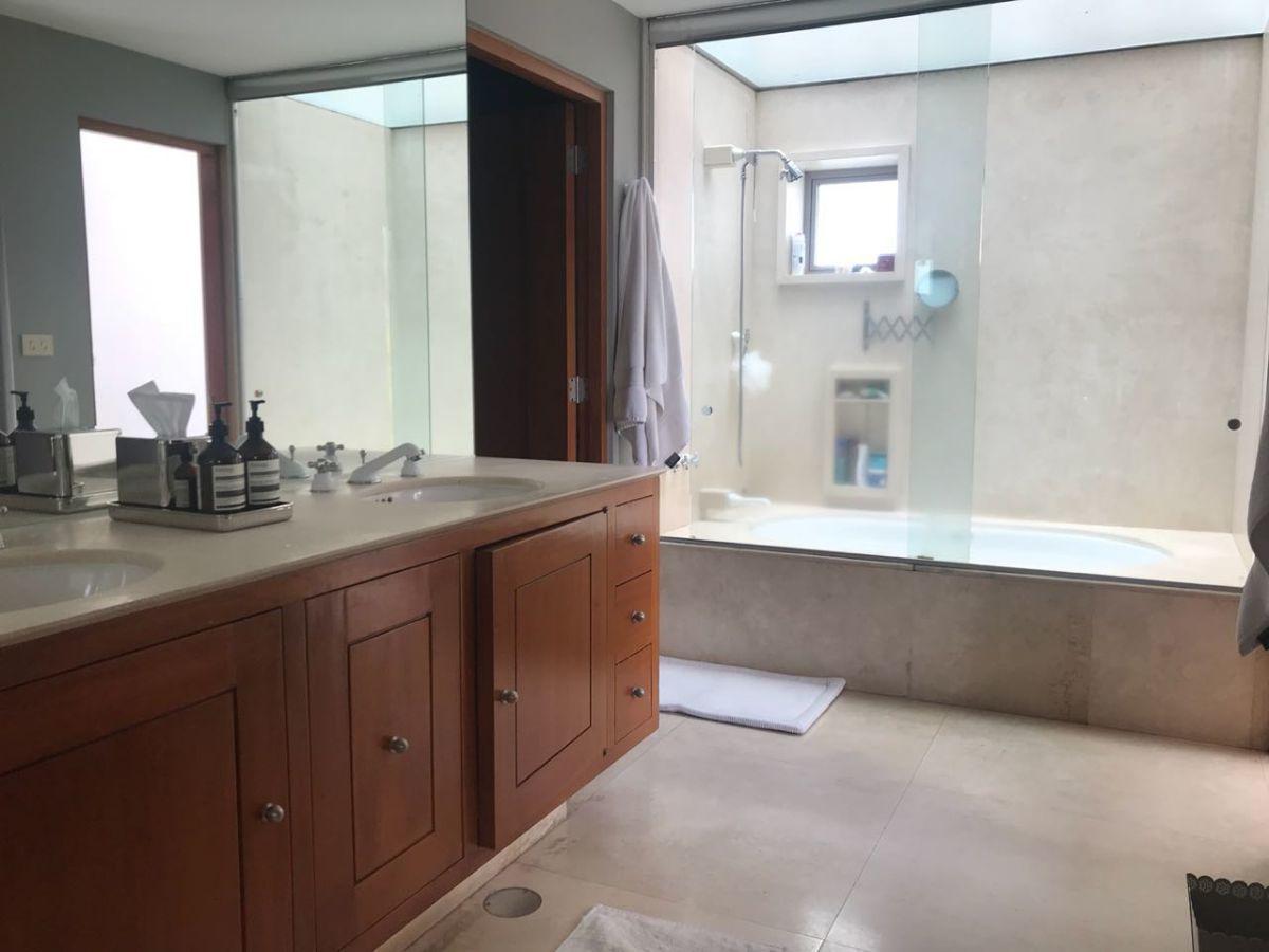 23 de 34: Baño principal